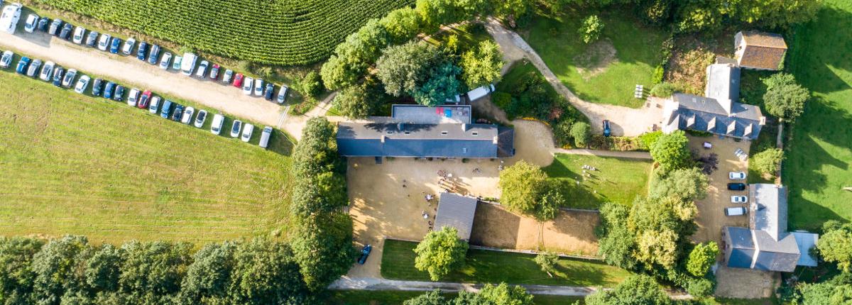 Photo du domaine par drone à l'occasion d'un mariage